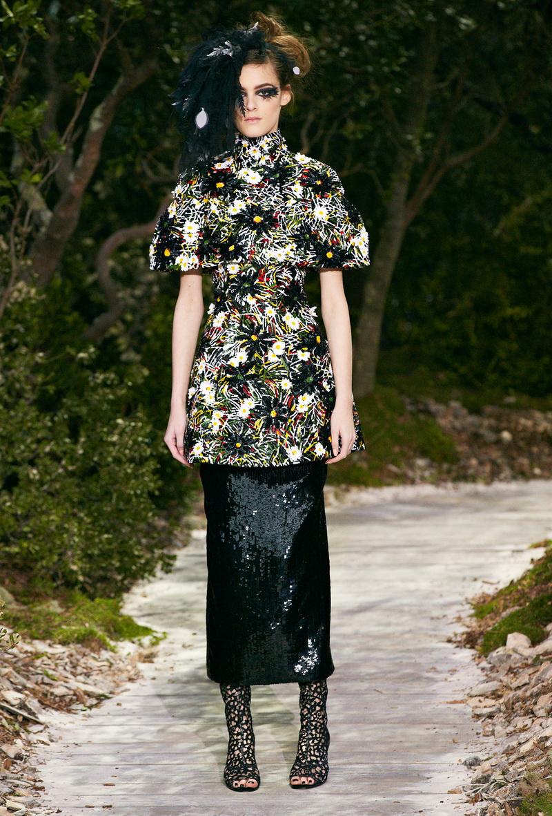 Jamie Bochert Chanel Haute Couture Fall Lookbook By Karl 16