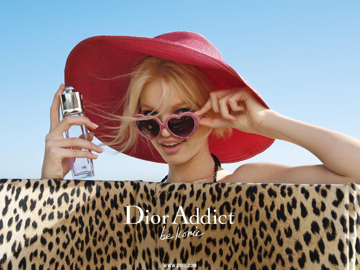 Best Ladies Perfume Names And Prices In Pakistan as well Guerlain La Petite Robe Noire Lips Nails moreover Miss Dior Eau De Toilette Originale 23282 besides Dior Addict Ultra Gloss together with Dior Iconic Lipstick. on dior addict perfume