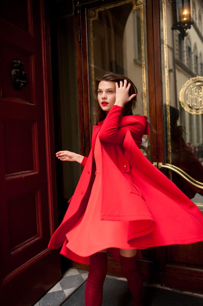 Alexandra tomlinson by marcelo krasilcic for elle italy for Elle italia