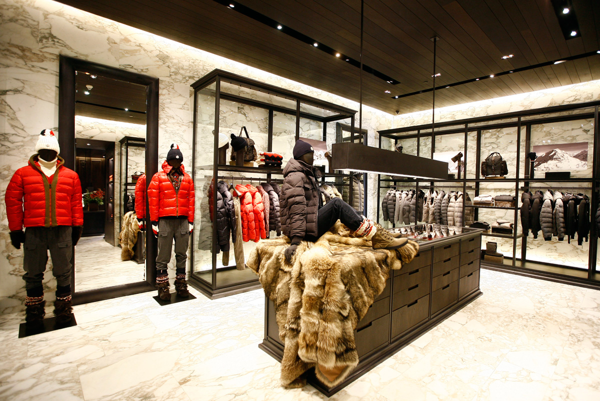 moncler boutique in istanbul. Black Bedroom Furniture Sets. Home Design Ideas