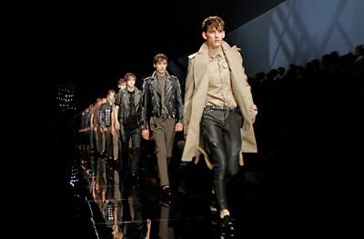 Burberry Prorsum Menswear Show LIVE on Design Scene