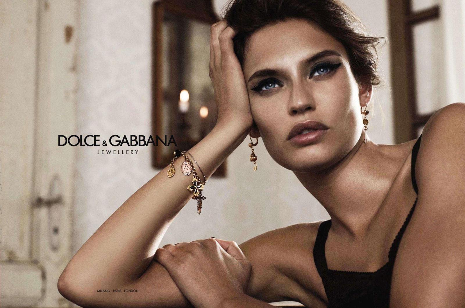 http://www.designscene.net/wp-content/uploads/2011/10/Bianca-Balti-by-Giampaolo-Sgura-DolceGabbana-Jewelry-DesignSceneNet-01.jpg