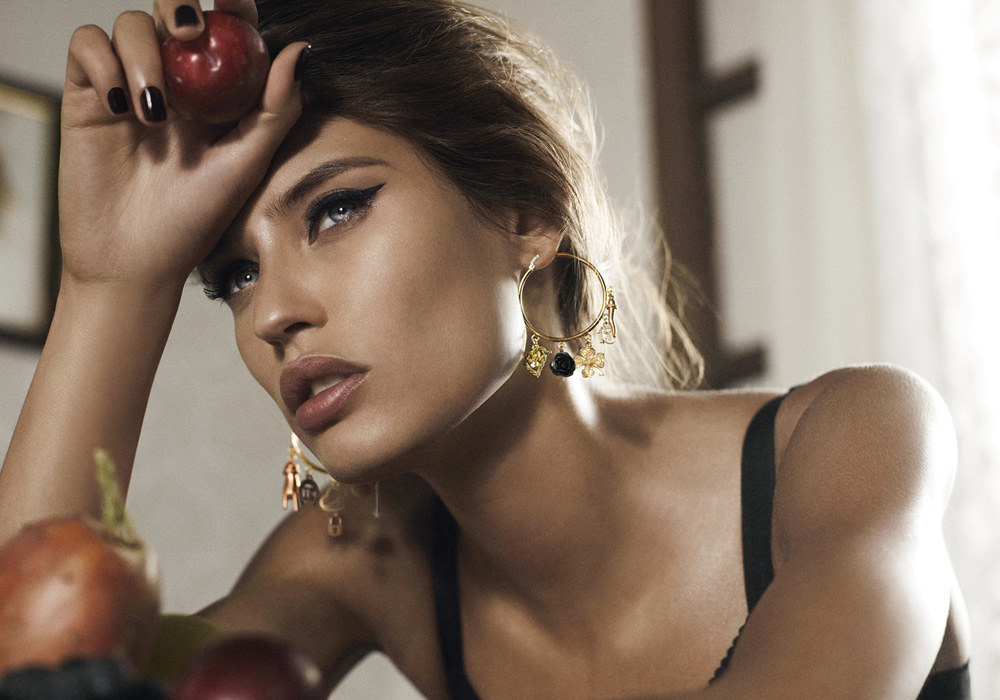 Bianca balti for dolce gabbana jewelry fall winter - Mobeldesigner italien ...