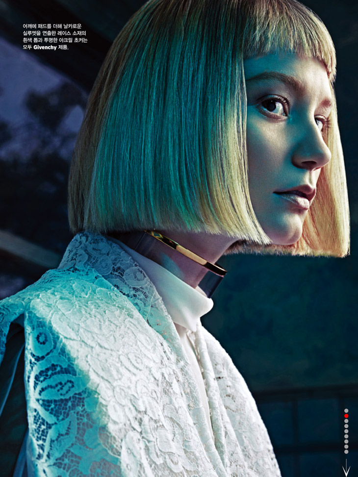 Mia Wasikowska for W Korea March - 202.6KB