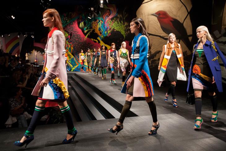 Prada Women 39 S Ss14 Fashion Show Space