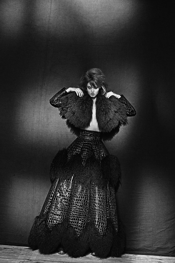 Azzedine ala a by peter lindbergh ft lindsey wixson for Designer alaia azzedine