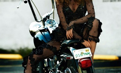 Cameron-Russell-Vogue-Paris-Mario-Testino-04
