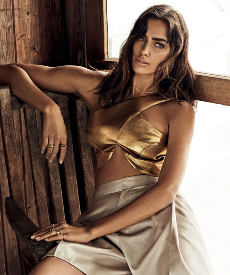 Irina-Shayk-for-Vogue-Brazil-02