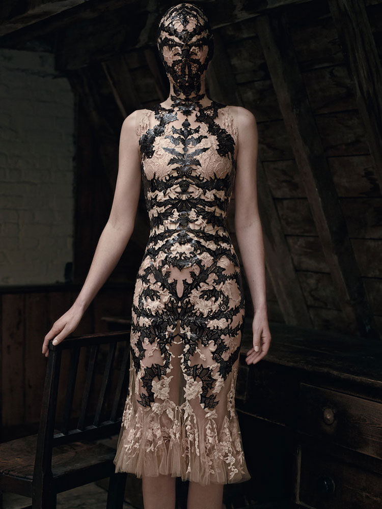 Edie campbell stella tennant in alexander mcqueen for t for Alexander mcqueen interview