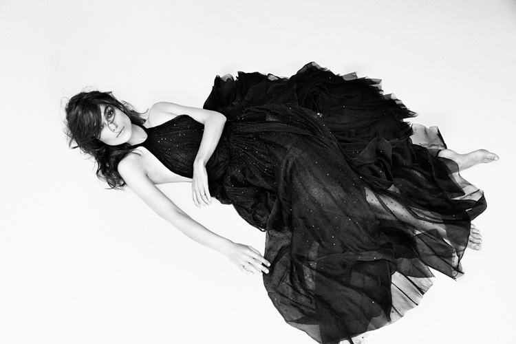 Keira-Knightley-by-Patrick-Demarchelier-for-Interview-Magazine-04