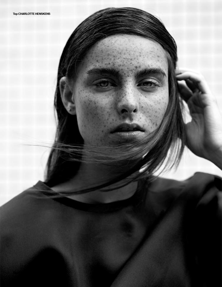 Lying-Lines-Liselotte-Fleur-Design-Scene-09