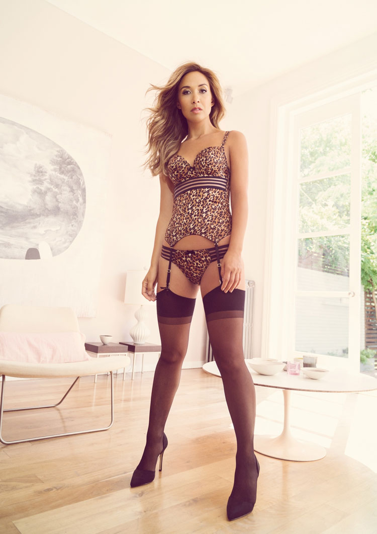 Myleene_Klass_models_her_lingerie_collection_for_littlewoods
