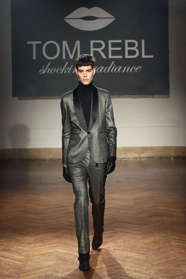 TOMREBL-07