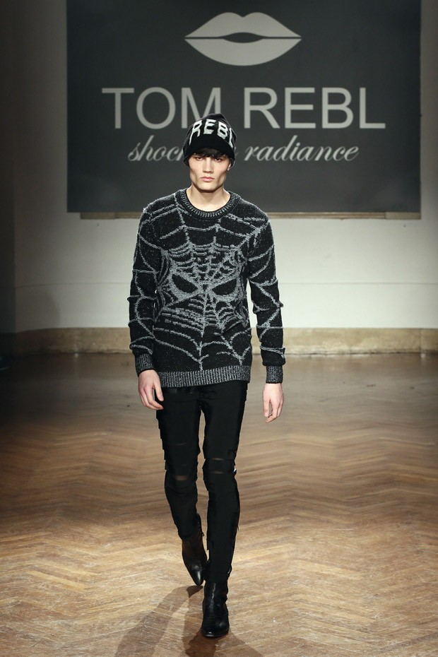 TOMREBL-10