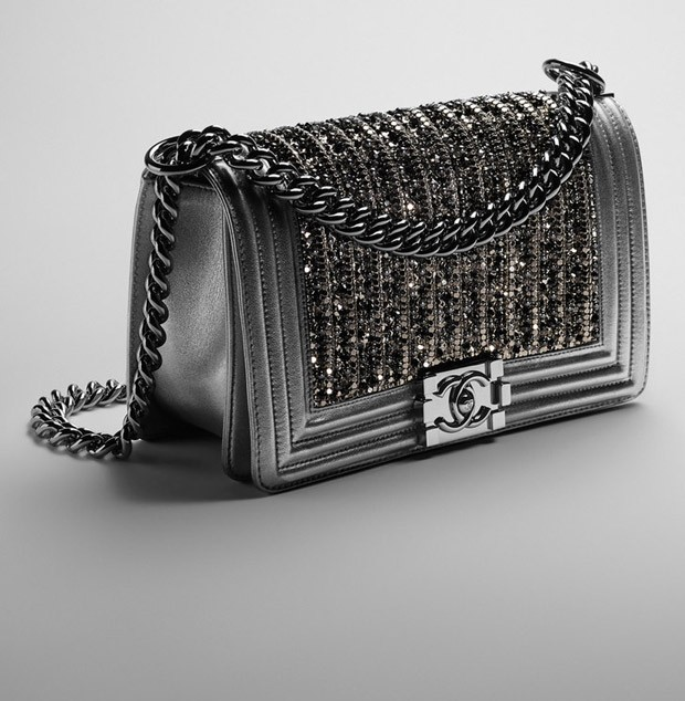35-Boy-Chanel-Flap-Bag-02