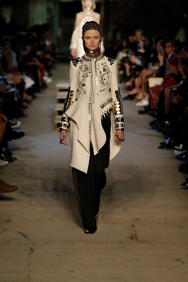GivenchySS16W-34