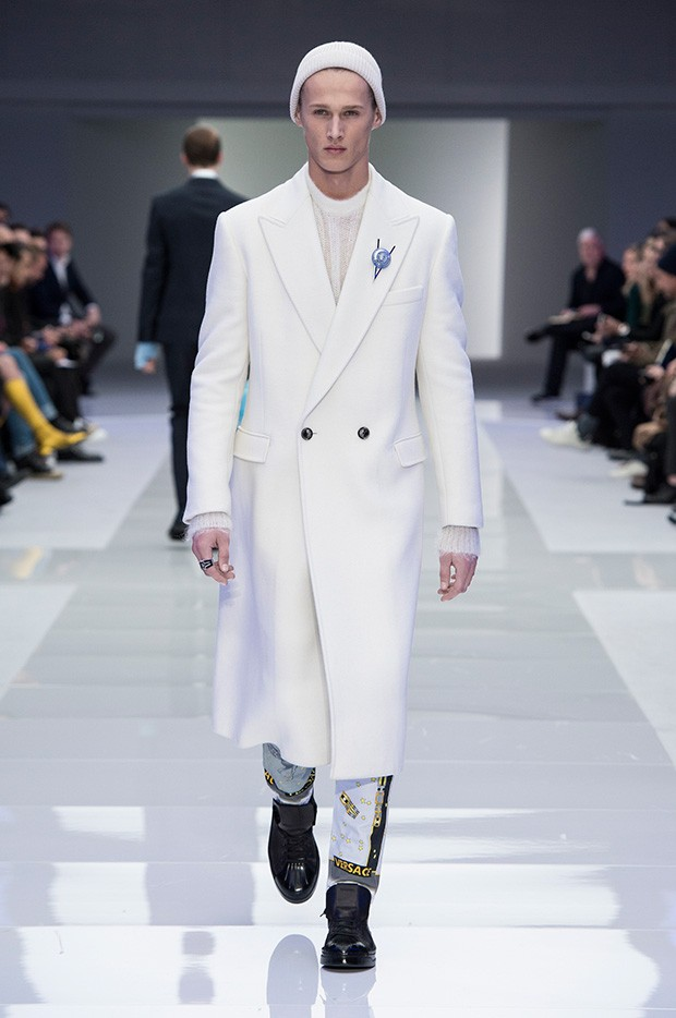Versace-Men's_FW16_look-37