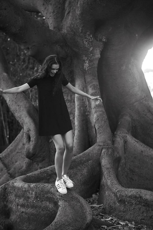 Zoe-Barnard-Jan-Malinowski-007