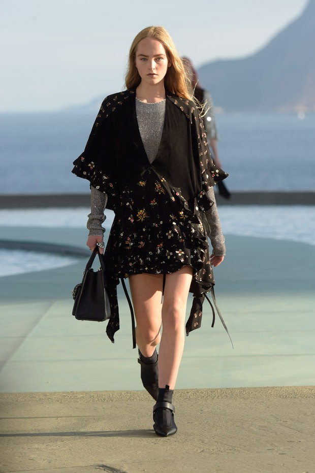 LouisVuitton2017Cruise-15