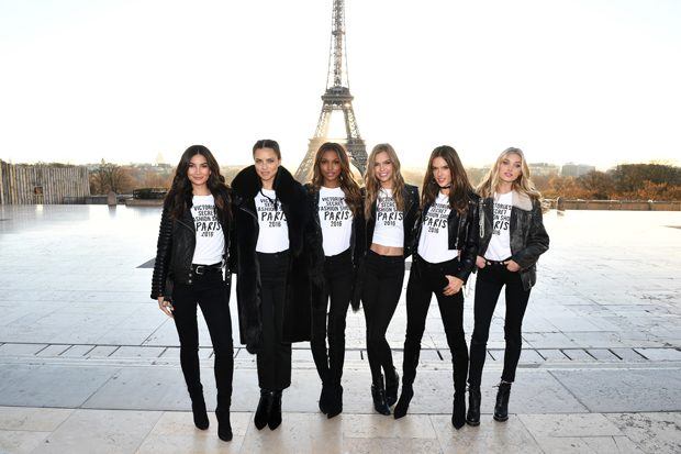 PARIS, FRANCE - NOVEMBER 29: (L-R) Lily Aldridge,Adriana Lima, Jasmine Tookes, Josephine Skriver, Alessandra Ambrosio and Elsa Hosk pose in front of the Eiffel Tower prior the 2016 Victoria's Secret Fashion Show on November 29, 2016 in Paris, France. (Photo by Dimitrios Kambouris/Getty Images for Victoria's Secret)