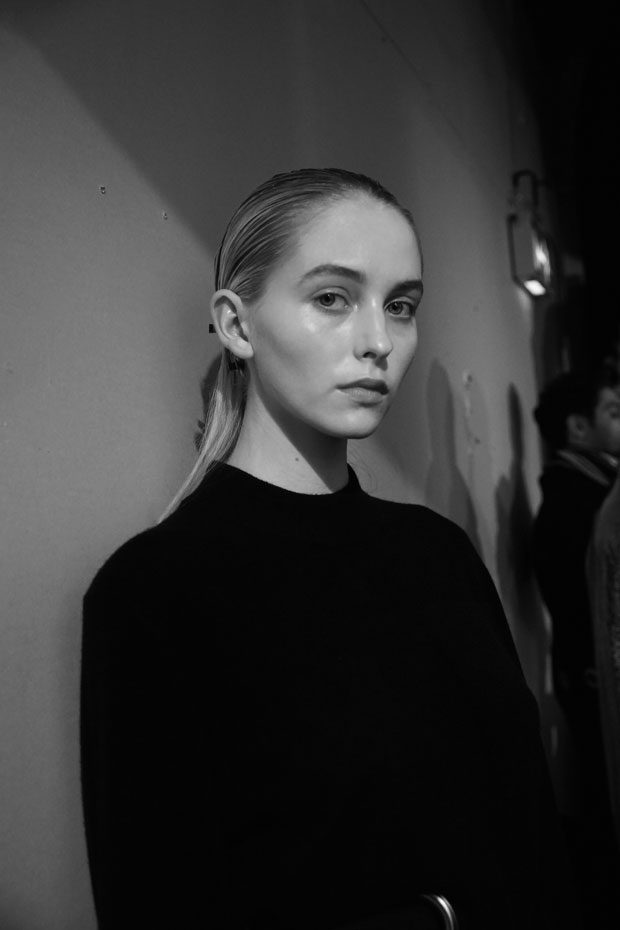 Teatum Jones Created A Cool Update On The Trench Coat: #LFW Go Backstage At TEATUM JONES AW17 Show In London