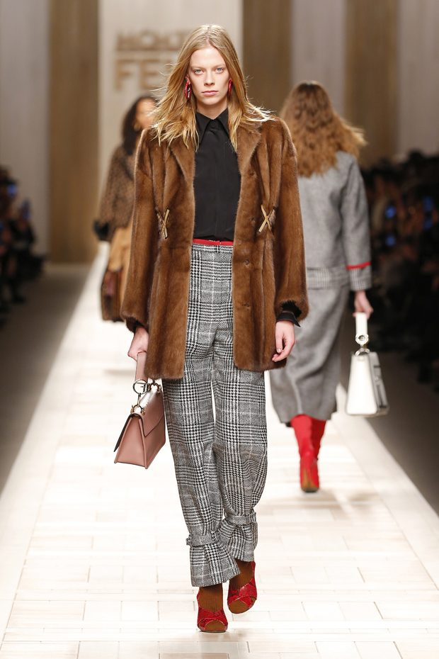 9d3fa9d8fd08b MFW  FENDI Fall Winter 2017.18 Women s Collection