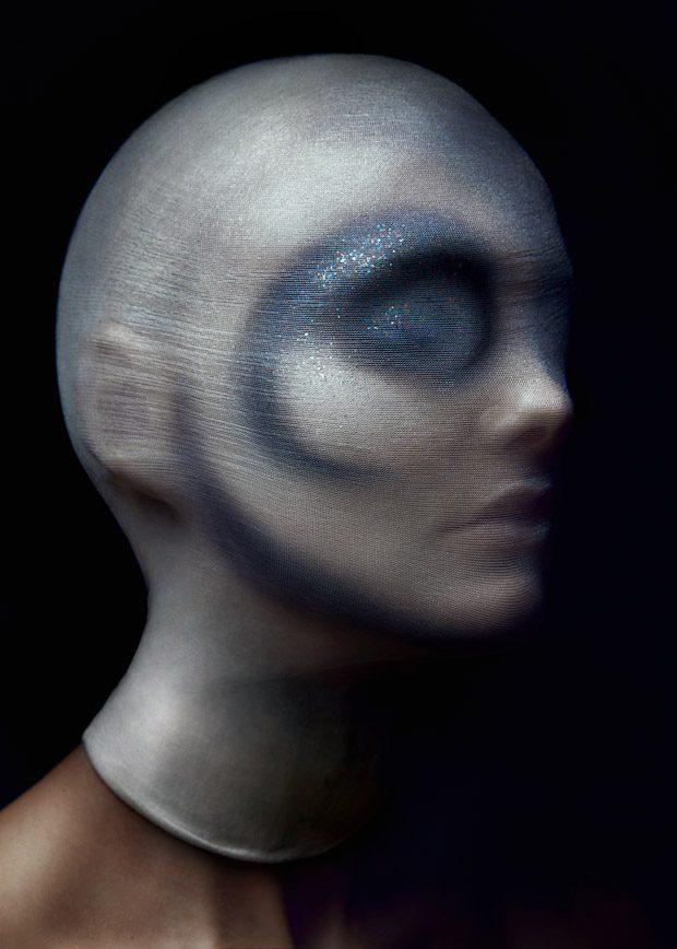 DESIGN SCENE STYLE: Elynne Keizer in Planetary by Martijn Senders
