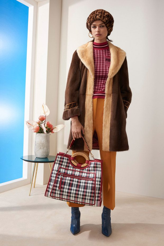 66ae5fadcb50 Fendi Pre-Fall 2018 Open Your Heart Womenswear Collection