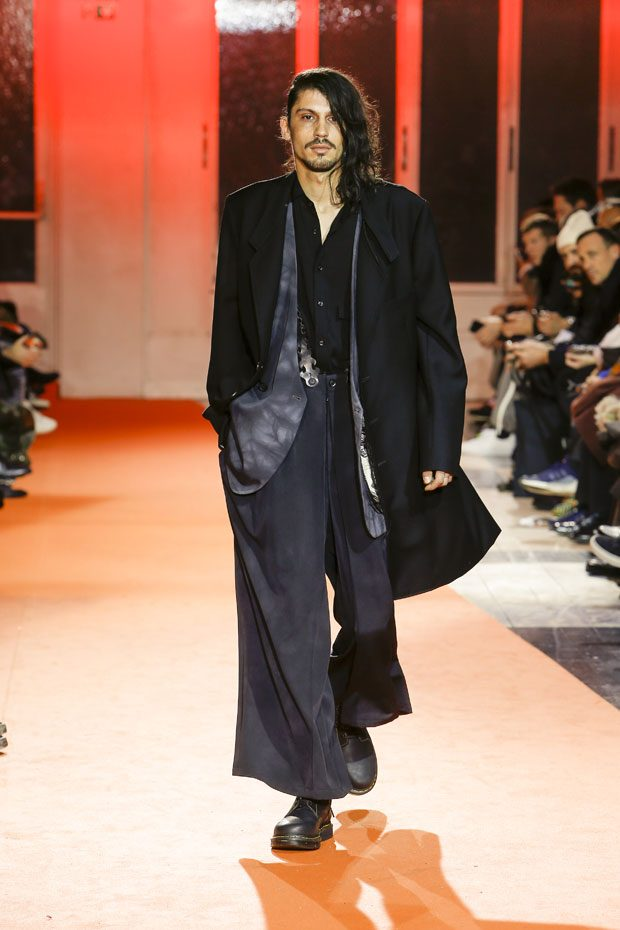 #PFW: YOHJI YAMAMOTO Fall Winter 2018 Menswear Collection