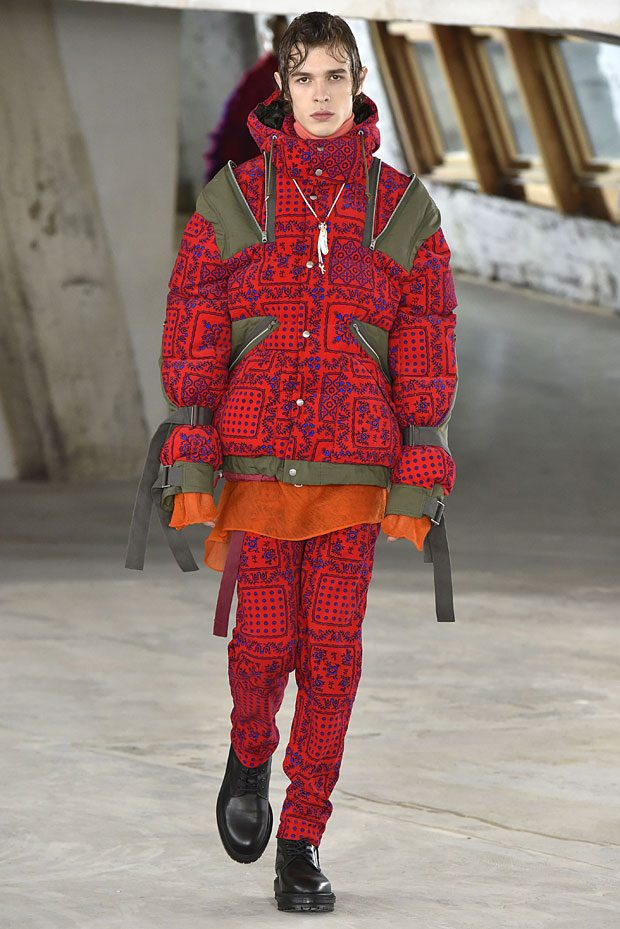 PFW: SACAI Fall Winter 2018/19 Collection