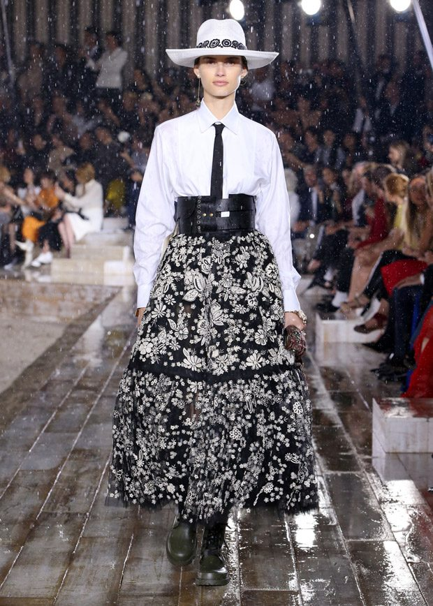 7c52cee091e DIOR CRUISE 2019 WOMENSWEAR COLLECTION