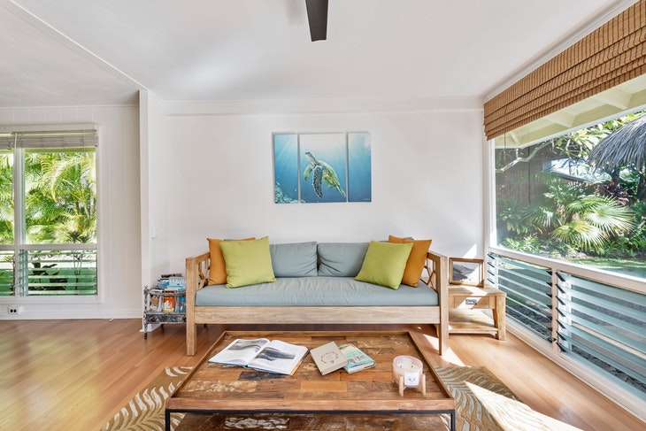 Marvelous 4 Ideas For Creating A Modern Coastal Home 2019 Gmtry Best Dining Table And Chair Ideas Images Gmtryco