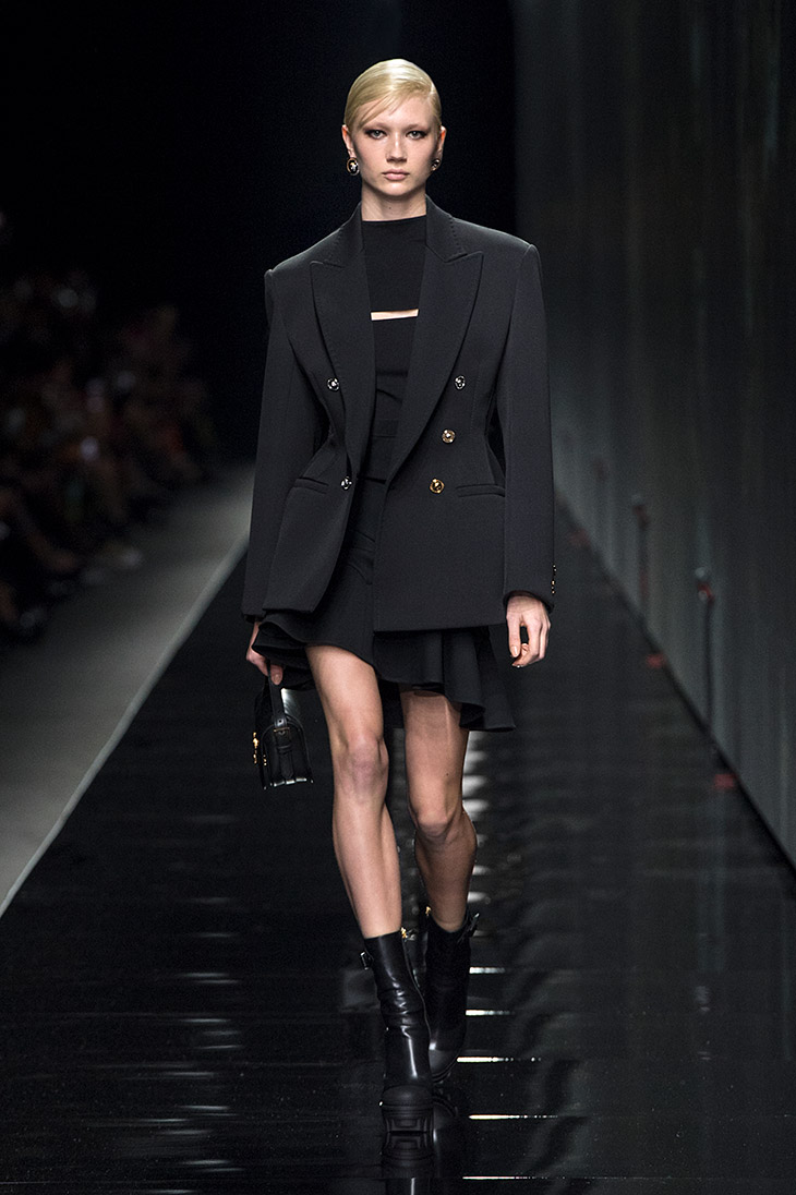MFW: VERSACE Fall Winter 2020.21 Collection