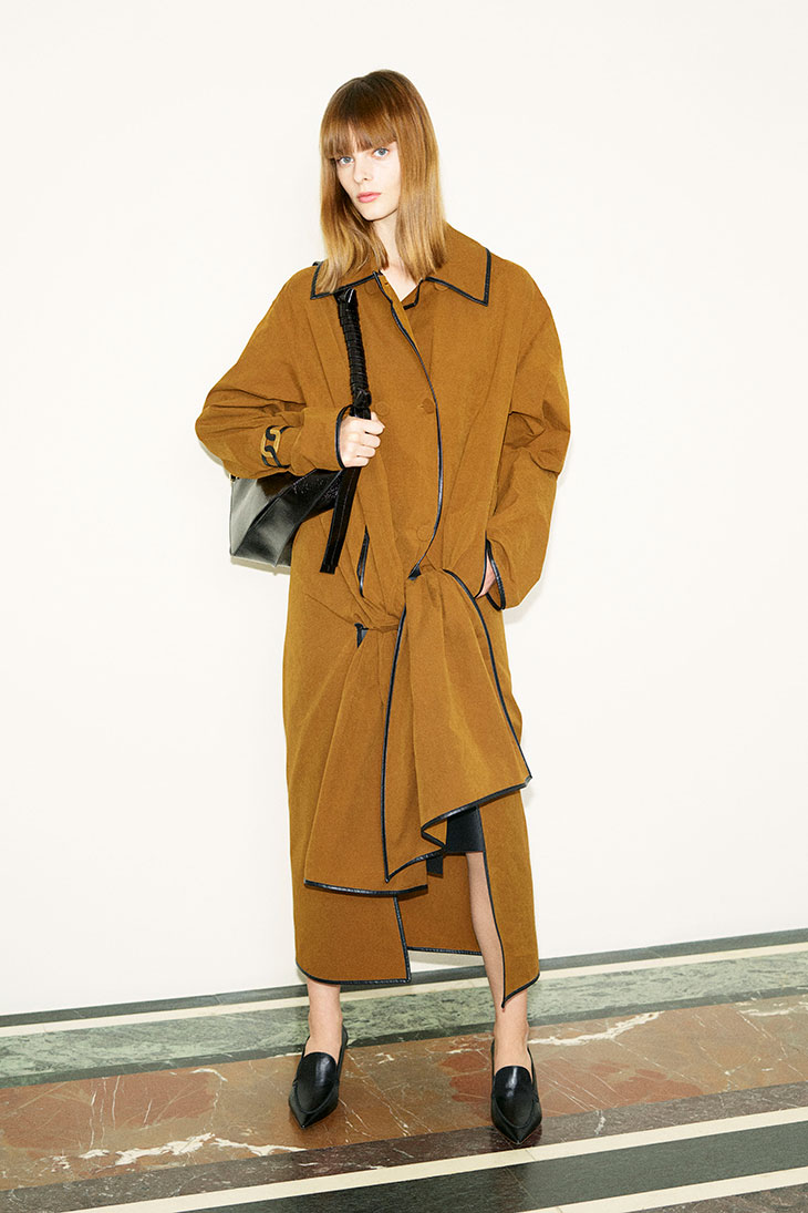 MFW: Discover TOD'S Fall Winter 2021 Womenswear Collection