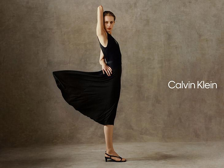 Pakaian Olahraga CALVIN KLEIN
