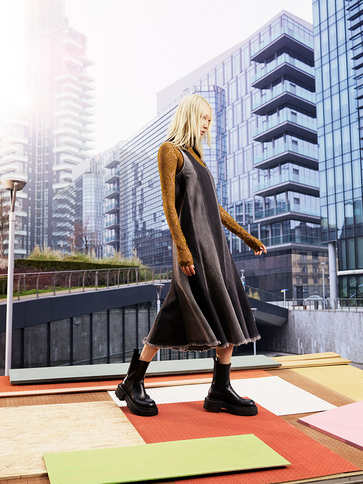 Soo Joo Park Models SPORTMAX Fall Winter 2021 Denim Culture Looks